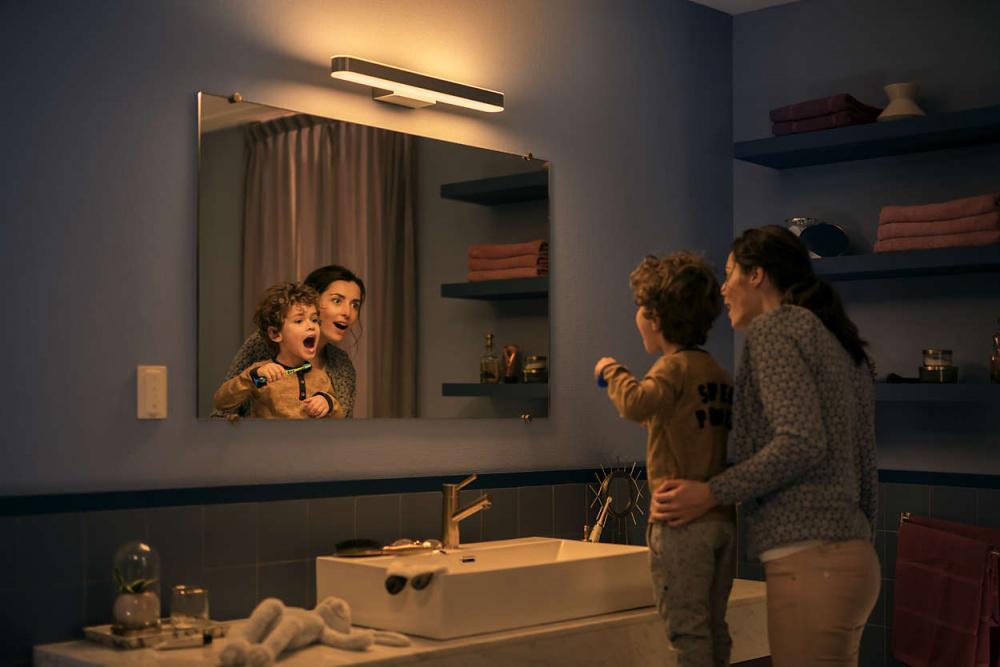 Philips Hue Adore Bathroom taklampe Krom fra Philips Hue